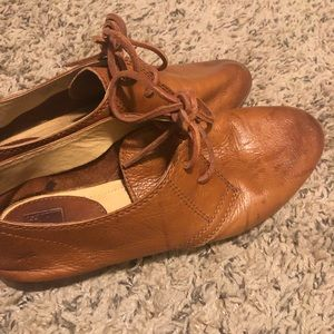 Whiskey colored leather Frye Jillian oxfords